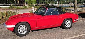 Lotus Elan S4 drop head coupe (front flank).jpg