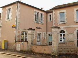 The town hall in Luant