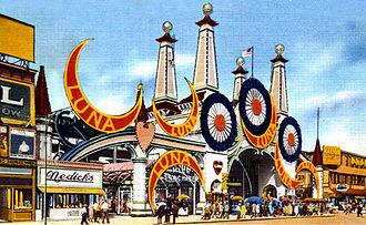 Luna Park, Coney Island (1903) - Luna Park entrance, early 20th century