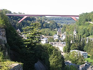 Grand Duchess Charlotte Bridge - The bridge passes 74 m over Pfaffenthal, which lies along the steep valley of the Alzette, and connects Kirchberg (right) to Limpertsberg (left)