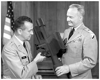 FIM-43 Redeye - MICOM Commander General John G. Zierdt inspecting interim Redeye production model, disposable variant (note the optics and launcher design)