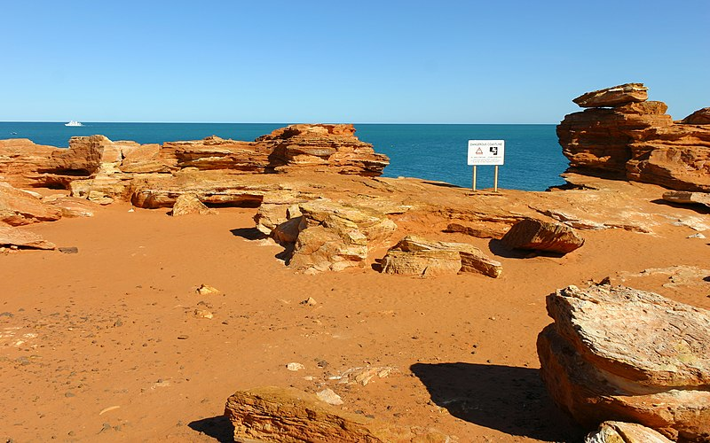 File:MK-07619 Gantheaume Point (Broome).jpg