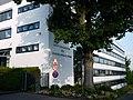 MPI für bioanorganische Chemie (Einfahrt).jpg