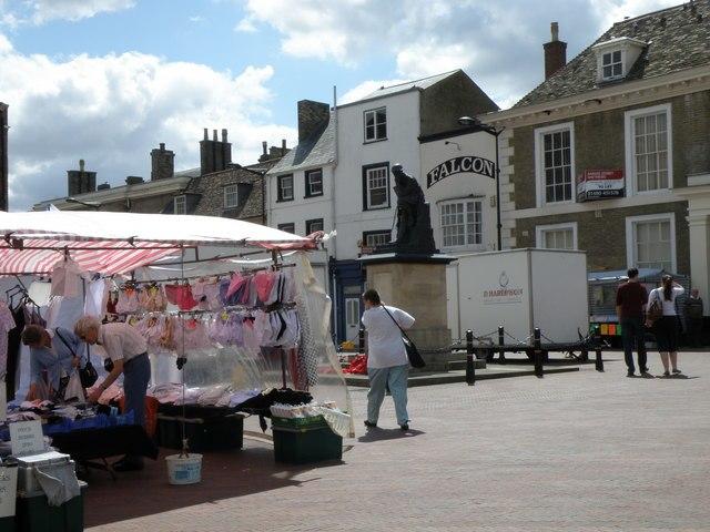 Market Square, Huntingdon - geograph.org.uk - 1429707