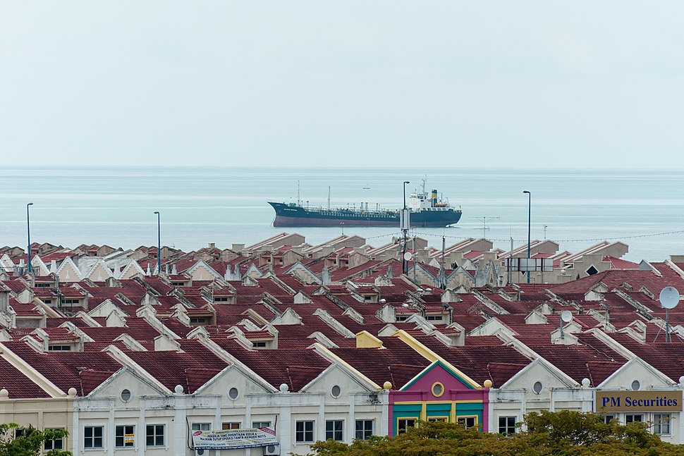 Melaka Malaysia Ship-anchoring-at-Melaka-Straits-01