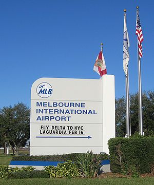 Orlando Melbourne International Airport - Image: Melbourne International Airport (Florida) Monument Sign 1