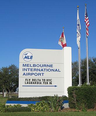Orlando Melbourne International Airport - Image: Melbourne International Airport (Florida) Monument Sign 1