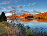 Melton lake at Fall - panoramio - verygreen.jpg
