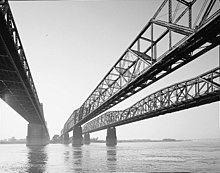 Memphis, Harahan, and Hernando de Soto Bridges.jpg