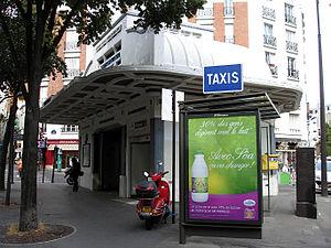 Paris Métro Line 3bis - Entrance to the station Pelleport.