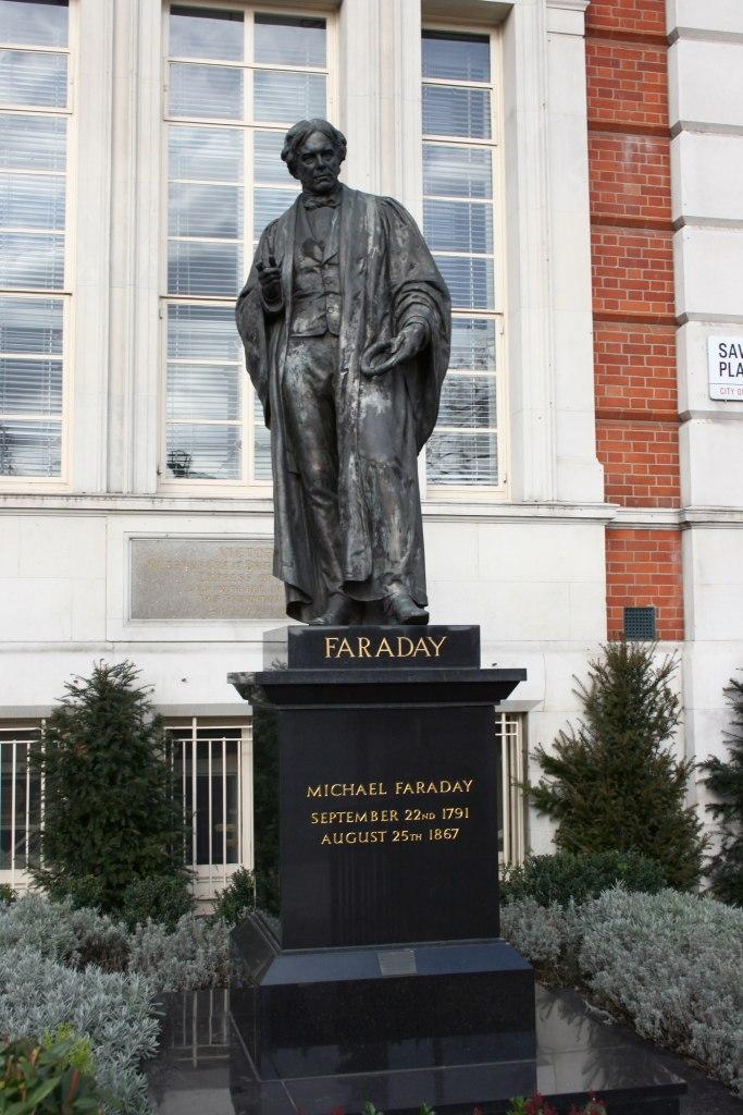 Michael Faraday statue AB