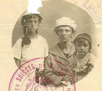 History of human migration - Swiss woman and her children leaving Civil war in Russia, around 1921