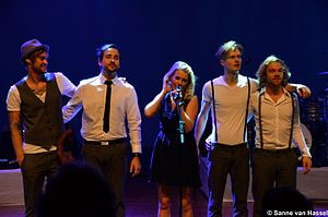 """Miss Montreal - Miss Montreal and her band during """"S-SS-SSS-Sanne"""" tour"""