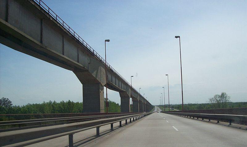 File:Mitre Bridge 3.jpg