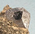 Molybdenite-289984.jpg