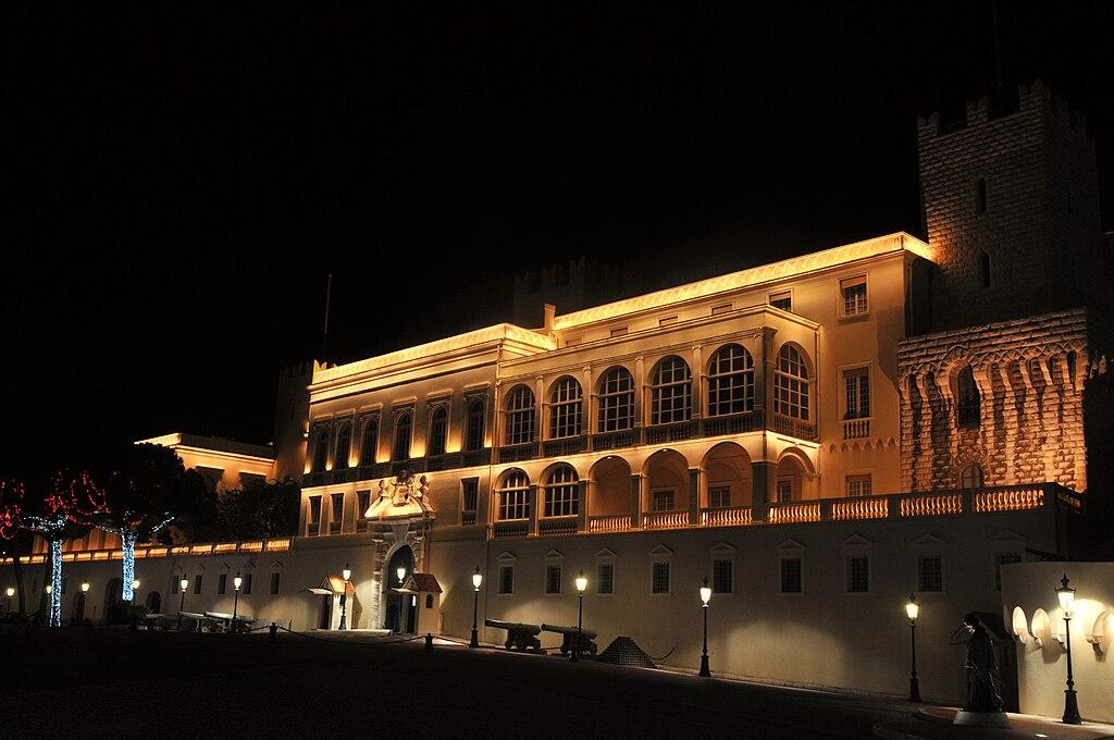 Monaco - Palais la nuit.jpg