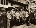 Mustafa Kemal, şehrin ileri gelenleriyle, Tokat, 27 Ekim 1919.png