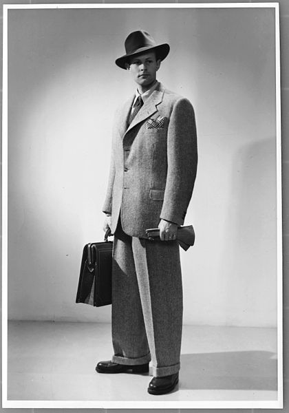 Fil:NMA.0052727, Fashion Photo by Erik Holmén ca 1940–1945.jpg