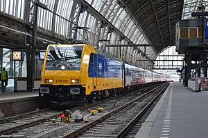 Intercity Direct - Image: NSI 186 002+Prio stam, Amsterdam Centraal