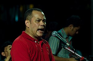 Nattawut Saikua - Nattawut Saikua addressing a Bangkok UDD rally, March 13, 2010