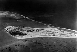 Naval Air Station Midway aerial photo 1943.jpg