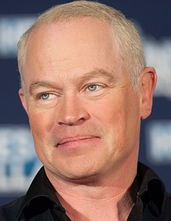 Neal McDonough (31197145535) (cropped).jpg