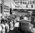 Nehru's cavalcade at Srinagar.jpg