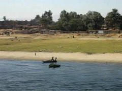 চিত্ৰ:Nile-River-Cruise.ogv