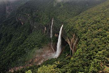 Nohkalikai waterfall.jpg