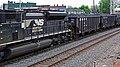 Norfolk Southern Railway - 2674 diesel locomotive (Marion, Ohio, USA) 2 (42505342974).jpg