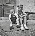 Oštirjeva otroka, Male Loče 1955.jpg
