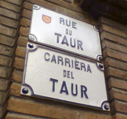 Occitan and French language signs in Toulouse