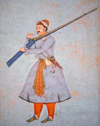 Officer of the Mughal Army with large Matchlock during Akbar's reign Officer of the Mughal Army, c.1585 (colour litho).jpg