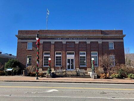 Old Post Office, Waynesville, NC (39750534163).jpg