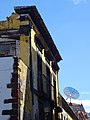 Old building vs satellite receiver (Funchal) (37388383464).jpg