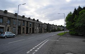 Springhead, Greater Manchester - Image: Oldham Road, Springhead (geograph 1912023)