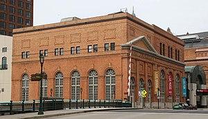 The Milwaukee Electric Railway and Light Company - Image: Oneida Street Station Apr 11