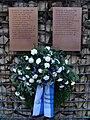 Osnabrück-Mahnmal Alte Synagoge-Gedenktafel-1und2.jpg