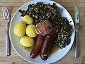 Ostfriesischer Grünkohl mit duchwachsenem Speck, Mettwurst und Pinkel.jpg