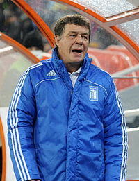 Ο Ότο Ρεχάγκελ, ως προπονητής της Εθνικής ομάδας της Ελλάδας.