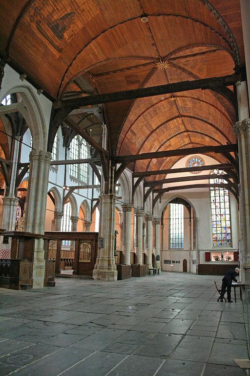 L'Oude Kerk est une église halle d'Amsterdam. La voute est en bois. Photo de Heinz-Josef Lücking