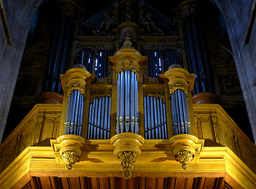 P1300915 Paris X eglise St-Laurent orgue rwk.jpg