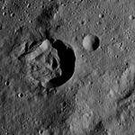 PIA20921-Ceres-DwarfPlanet-Dawn-4thMapOrbit-LAMO-image159-20160528.jpg