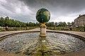 Paleis Het Loo, Koperen fontein in de vorm van de Aarde.jpg