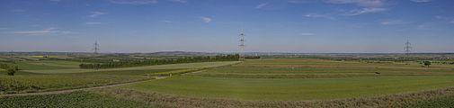 Panorama vom Aussichtsturm Sandberg, Platt (Gemeinde Zellerndorf), Weinviertel 6150.jpg