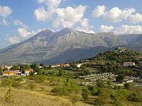 Panoramica Alba Fucens 08 2015a.jpg