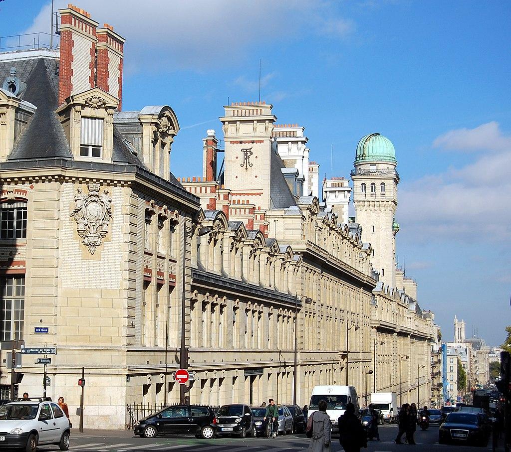 Paris 75005 Rue Saint-Jacques La Sorbonne facade 01a