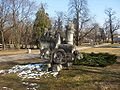 Park Ludowy rzeźba.jpg