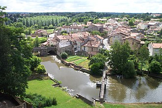 Thouet - The Thouet from the battlements of Parthenay.
