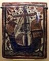 Paterna, socarrat decorato con una nave, forse una caravella, 1400-50 ca. (madrid, museo arqueològico nacional).jpg